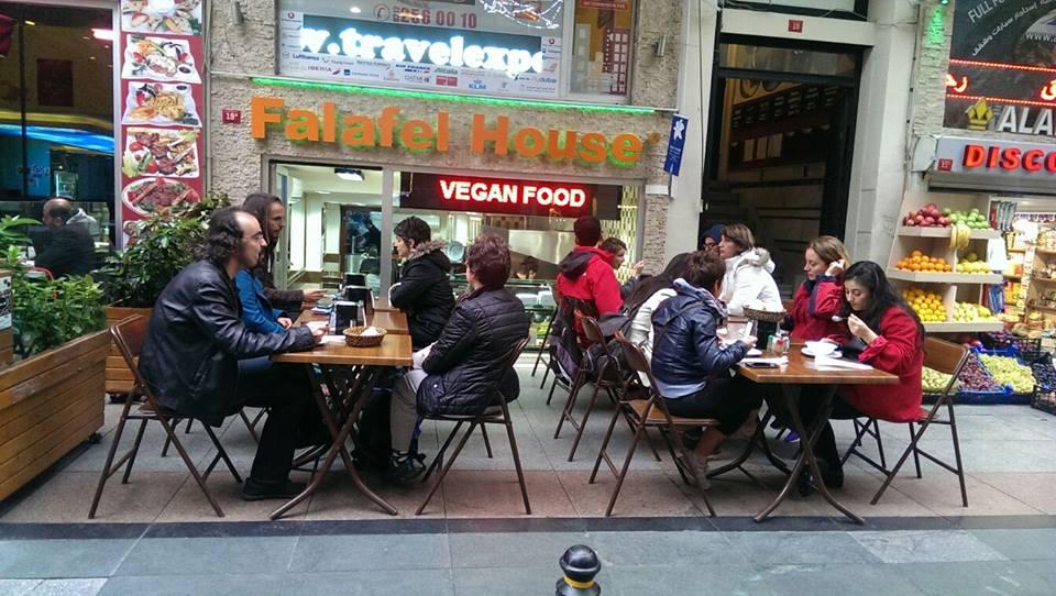 لا غربة طعام فيإسطنبول