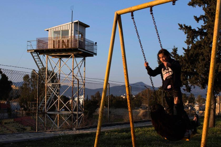 kids-watch-tower